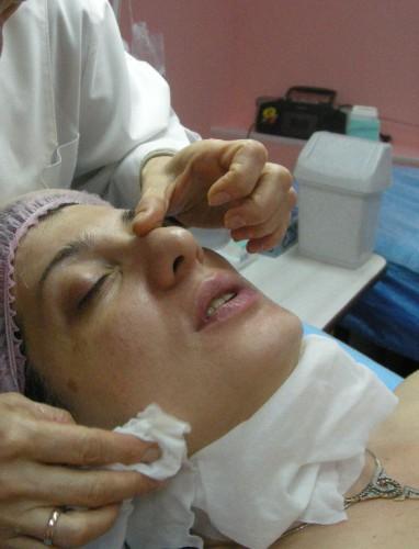 13. Удалить маску влажным спонжем или салфеткой